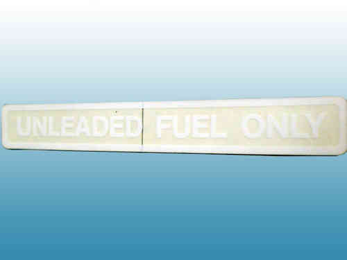 "Kennschild ""unleaded fuel only"" weiss"
